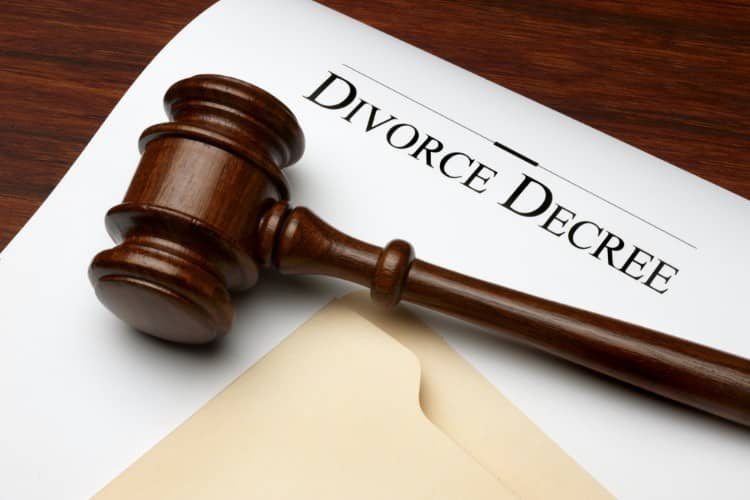 Can you get a divorce while in chapter 13 bankruptcy?